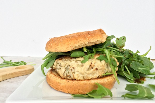 chicken burgers with rosemary garlic mayo