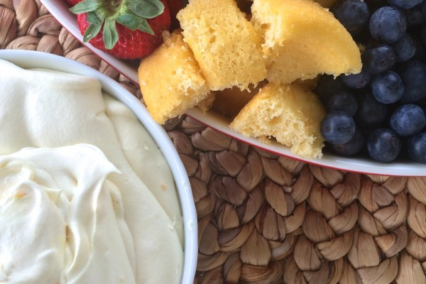 amaretto fruit dip