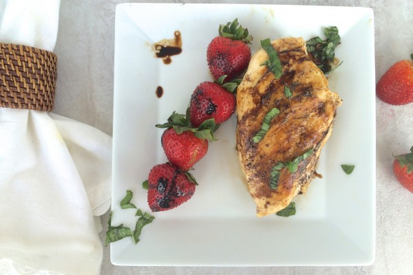 balsamic grilled chicken with strawberries