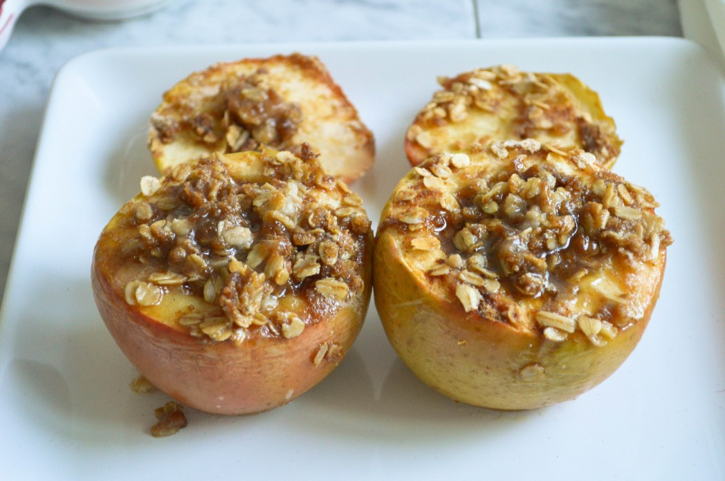 Baked Apples with Oatmeal Crisp Topping